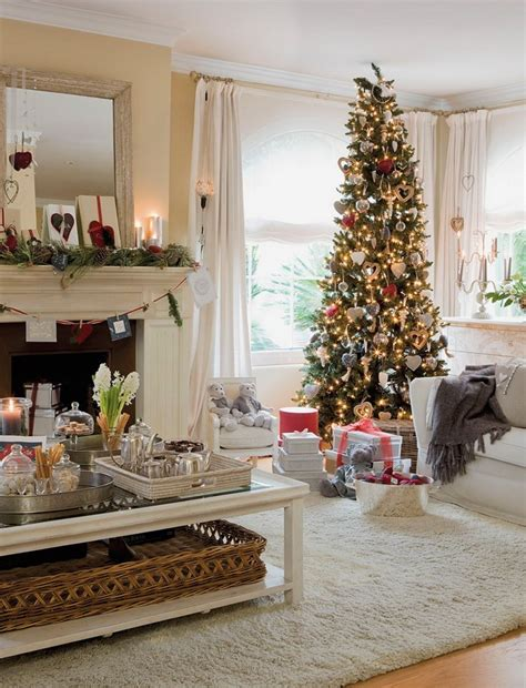 living rooms decorated for christmas 55 dreamy christmas living room d 233 cor ideas digsdigs
