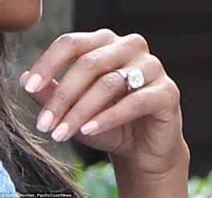 5 million dollar wedding ring dwyane wade feeds his new fianc 233 e gabrielle union pizza at
