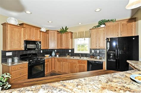 kitchen in the manhattan hr137a pennwest ranch modular pennwest homes hollingsworth hh101a cambridge ranch
