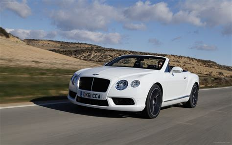 bentley continental wallpaper bentley continental gt wallpaper high res 502 wallpaper