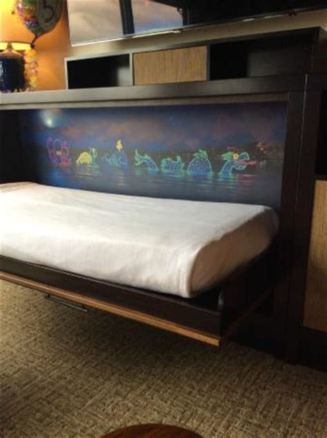 bed and pull out couch picture of disney's polynesian