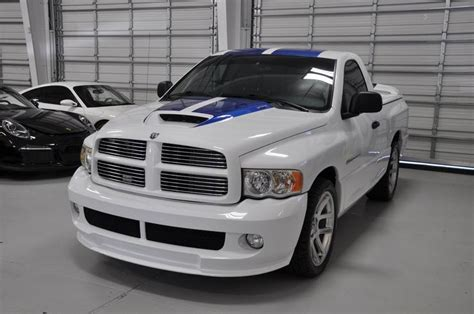 2005 Dodge Ram Srt 10 Commemorative Edition For Sale by 2005 Dodge Ram Srt 10 Commemorative Edition Commemorative