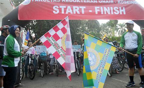 Baju Gowes Surabaya fk unair ajak masyarakat hidup sehat dengan bersepeda bersama unair news
