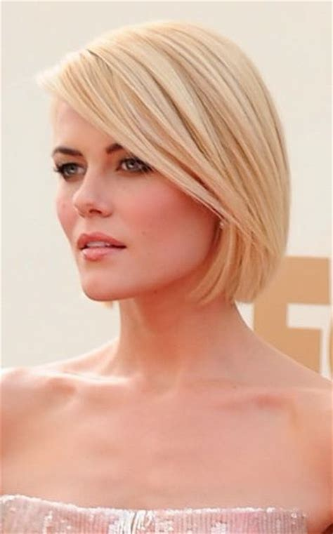 just below chin length hairstyles sleek chin length bob cut cut just below the chin and