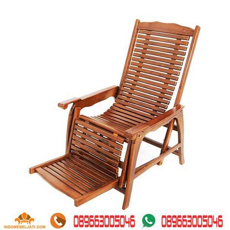Kursi Goyang Dari Kayu Jati kursi kayu santai goyang minimalis indo mebel jati