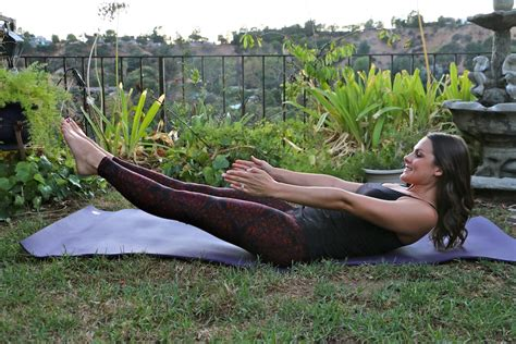 boat pose sit ups 15 minute cardiyoga sequence with cozy orange to live
