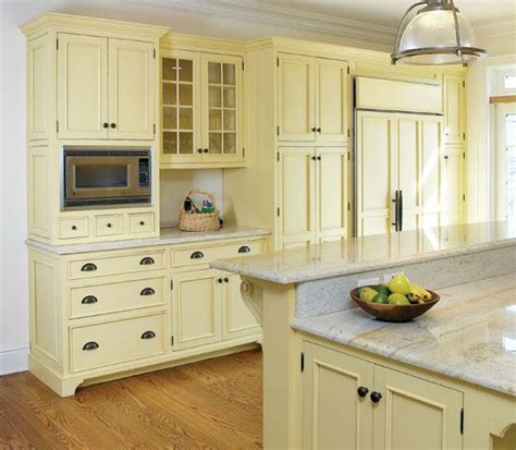 cottage style kitchen cabinet doors 17 best images about small kitchen ideas on