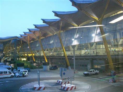iberia italia uffici terminal 4 aeroporto di madrid barajas arrivo dall italia