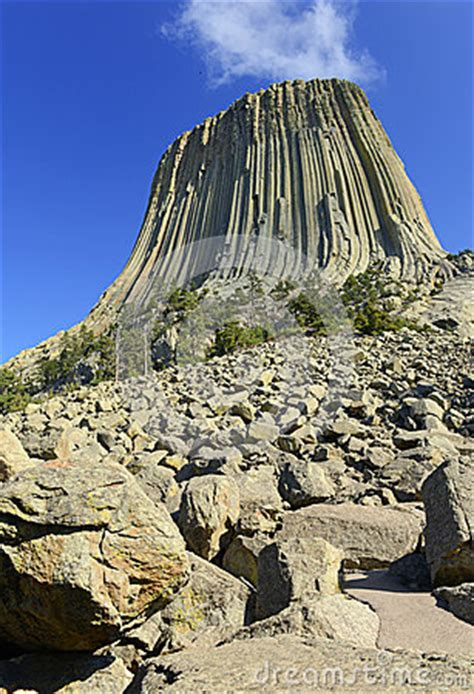 geology of devils tower national monument wyoming books devils tower national monument wyoming stock photo