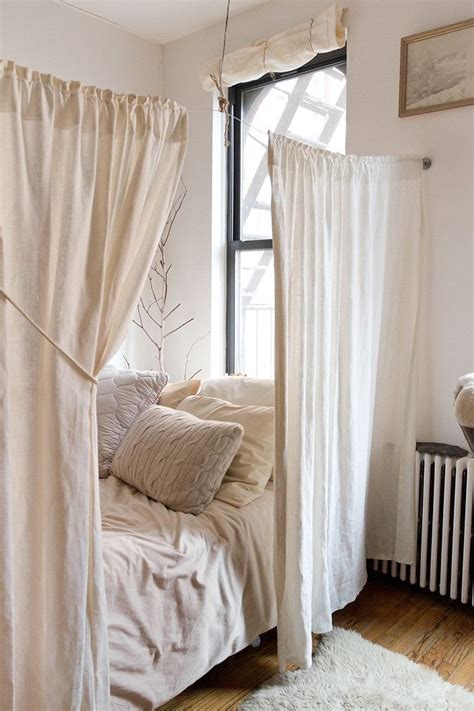 how to hang curtains in a dorm best 25 dorm room privacy ideas on pinterest dorm room