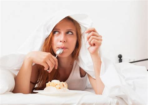 eating in bed sweet tooth 7 ways to keep sugar cravings under control