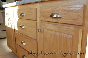 Where To Place Knobs And Pulls On Kitchen Cabinets On The V Side Kitchen Jewelry