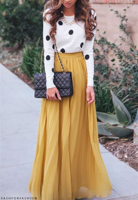 Maxi Clara Polka s white and black polka dot crew neck sweater mustard pleated maxi skirt black quilted