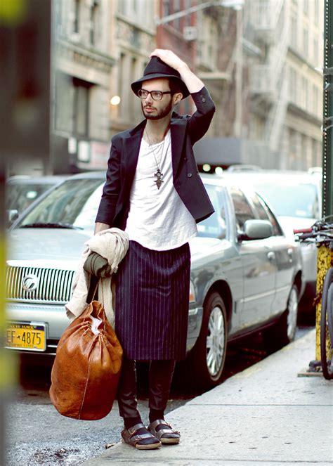 Baju Renan tren fashion terbaru cowok pakai rok citizen6 liputan6