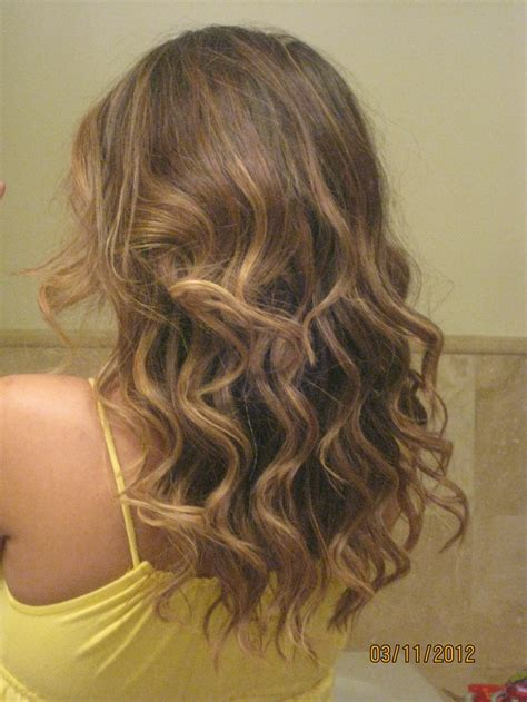 images of hair from back view wavy brown hair back view www imgkid com the image kid
