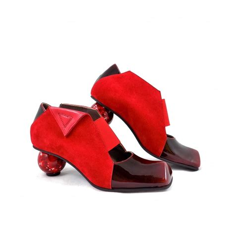 novara sculputral heel slip on shoes in