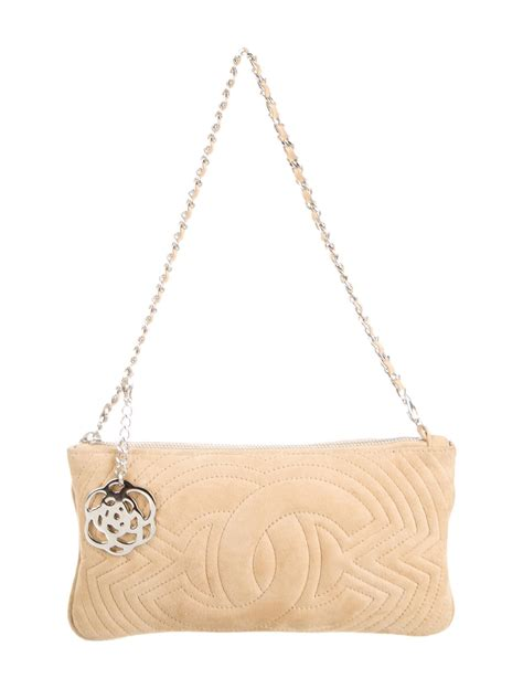 Clucth Chanel 10 chanel clutch handbags cha78692 the realreal