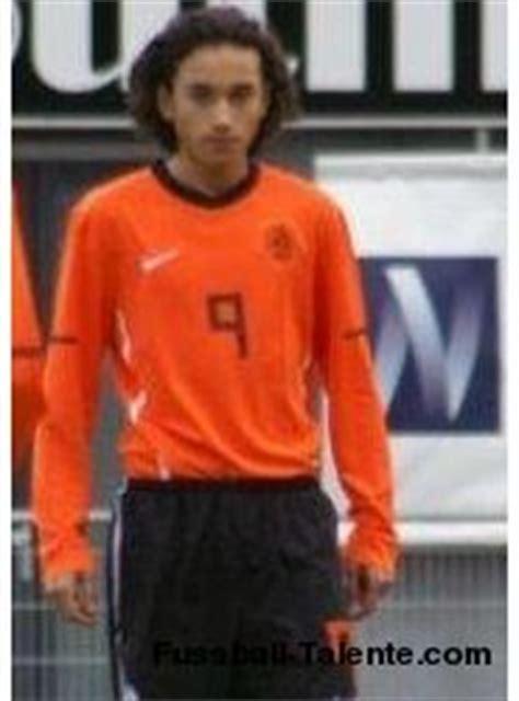 ezra walian ezra walian afc ajax amsterdamsche football club ajax forward right winger list player player f