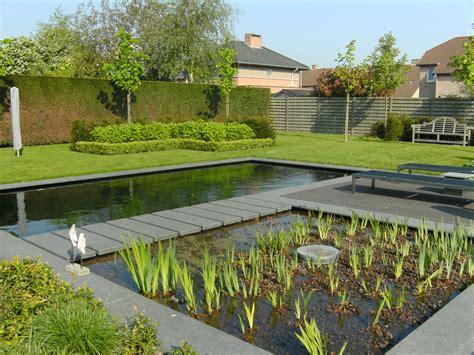 Pool House tuin met zwemvijver en poolhouse
