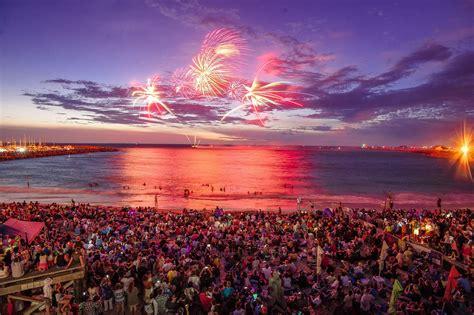 fishing boat harbour fireworks australia day fireworks at fremantle s fishing boat
