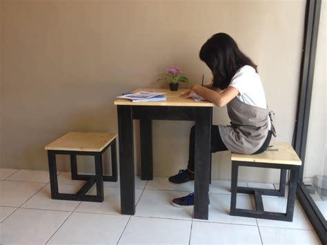 Harga Clear Nippe jual meja kursi makan cafe murah bahan kayu pinus jati