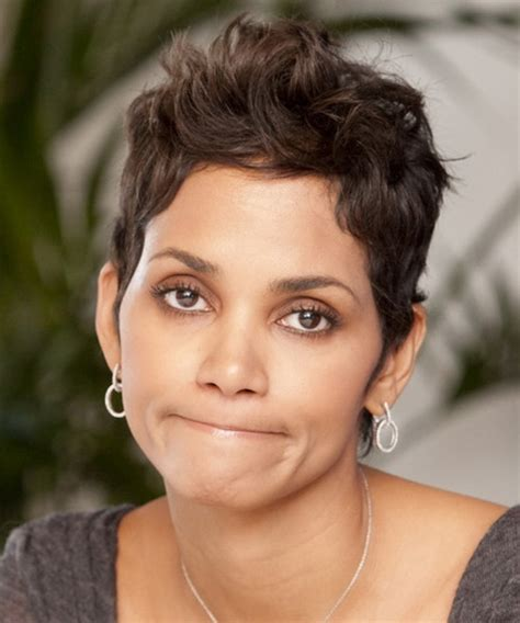 how to cut hair to look like halle berry halle berry short haircut