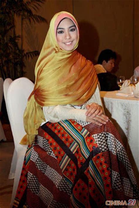 Baju Muslim Syar I Oki 15 Model Baju Muslim Oki Setiana Dewi Terbaru Kumpulan
