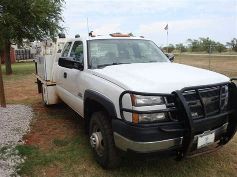 how petrol cars work 2006 chevrolet silverado 3500 free book repair manuals find used 2006 chevy 3500 extended cab 6 6l v8 turbo diesel work truck in oklahoma city