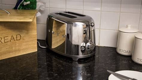 Best Two Slice Toaster Reviews Smeg 2 Slice Toaster Review Stunning Looks Amp Great Toast