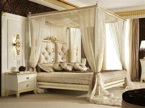 Amazing Chambre Ado Bleu Et Rouge  #6: Decoration-chambre-avec-lit-baldaquin-2.jpg
