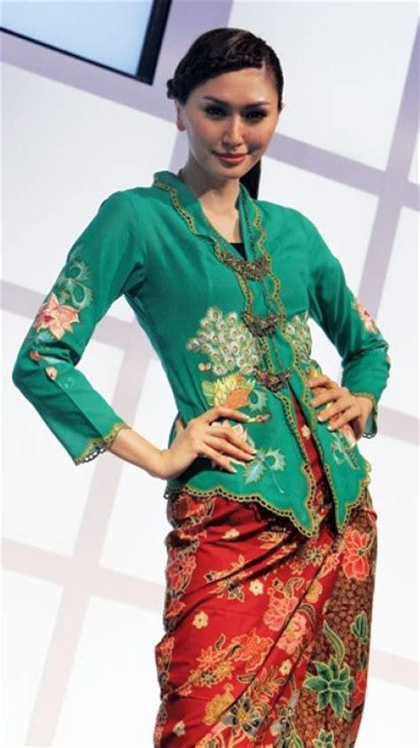 Baju Setelan Wanita Muslim Blouse Tunik Vest Flower Set Kulot 86 best images about kebaya nonya blouse on traditional photographs and singapore