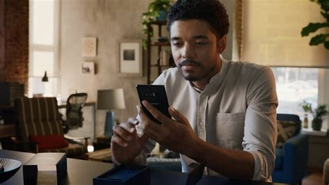 samsung commercial samsung takes at apple in commercial