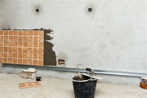 Installing Ceramic Wall Tile How To Install Wall Tile Howtospecialist How To Build Step By Step Diy Plans