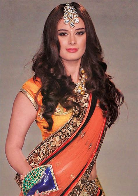 hairstyle for square face on saree 20 divine hairstyles to complement your saree simple