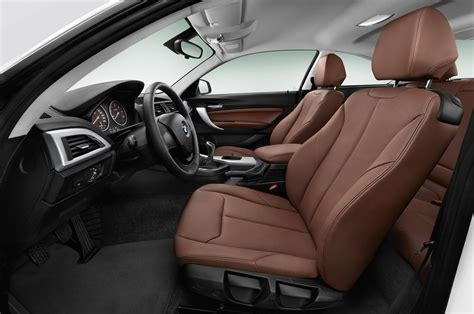 Bmw 2 Interior by 2014 Bmw 2 Series Coupe Look Motor Trend