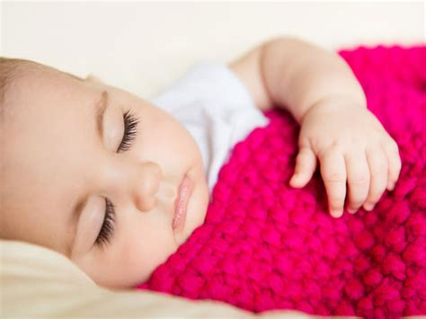 best way for baby to sleep in crib best way to get baby to sleep in crib the best ways to