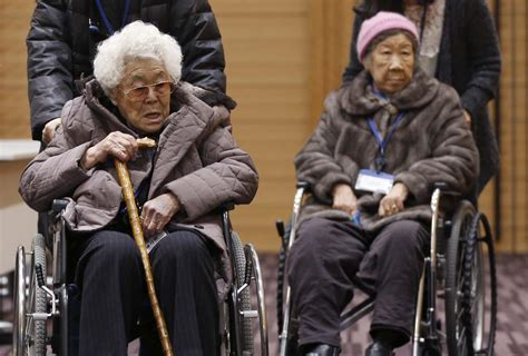 comfort women japan japanese emperor in the philippines gets a mixed reception
