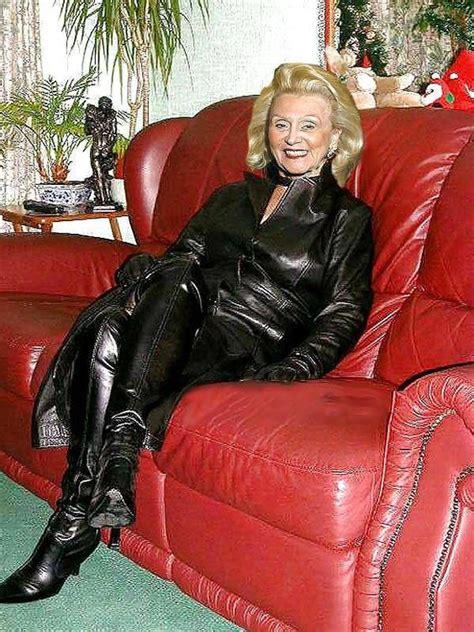 sofa porn pics flickr rubber pinterest sexy pantalons en cuir et cuir