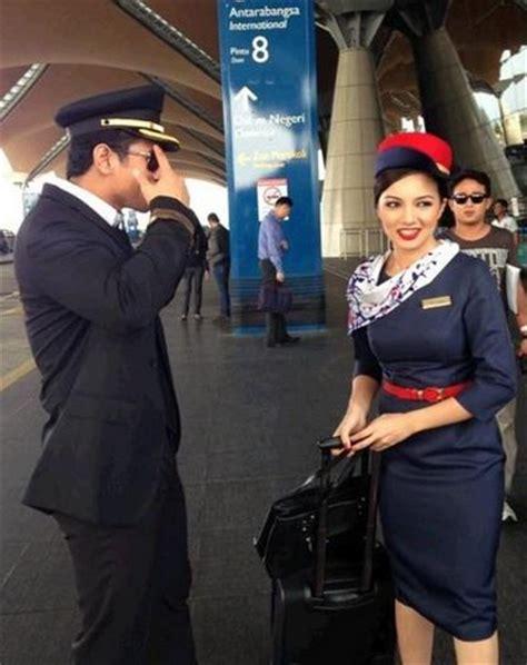 film malaysia percintaan 22 gambar fahrin izara dan neelofa bintangi pilot cafe