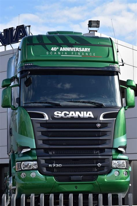 scania presenta the emerald edizione limitata soluzione