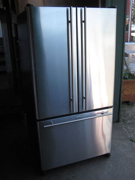 bottom drawer freezer leaking water 17 best images about french door bottom freezer on