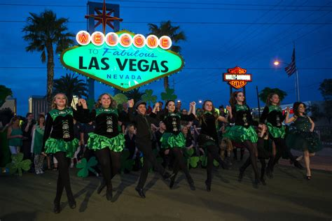 whats happening in begas march 28 welcome to fabulous las vegas sign goes green for st