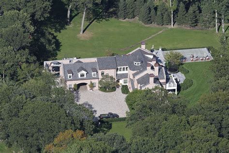 tom brady house boston tom and gisele s house in brookline