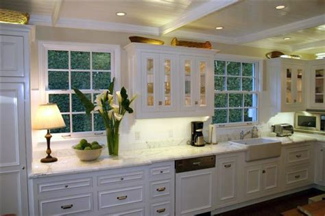 pictures of country kitchens with white cabinets white country kitchen the interior designs
