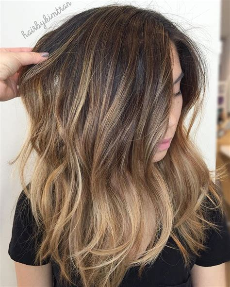 brunette hairstyles foils broke her old brassy balayage and dark base by weaving