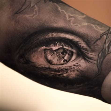 tattoo eye black and grey top 10 realistic eye tattoos