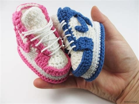 Squishy Baby Shoes crochet baby shoes crochet baby booties crochet