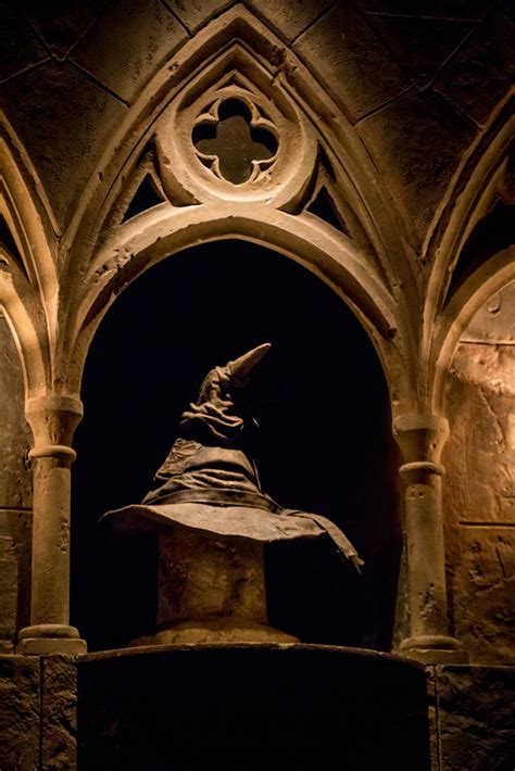 hogwarts castle  sorting hat   beautifu flickr