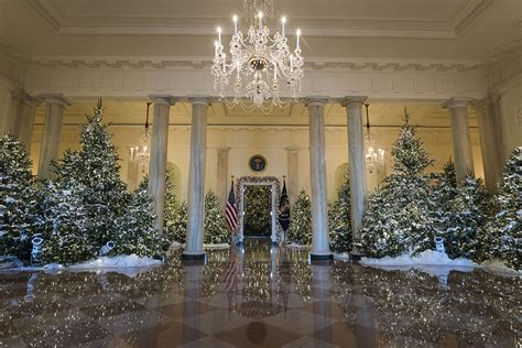 best 28 who pays for white house christmas decorations