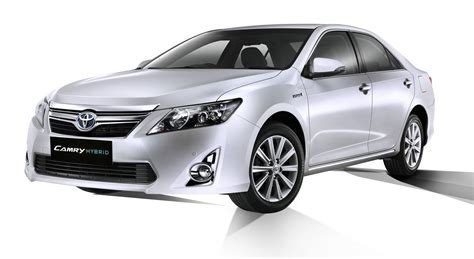Toyota Camry India 2013 Toyota Camry Hybrid Launched In India At Rs 29 75 Lakhs